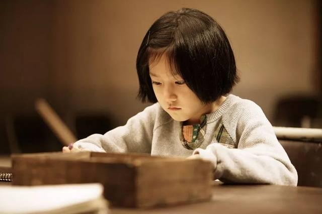Sự khác biệt lớn giữa trẻ hay khóc và trẻ kìm nén không khóc bao giờ, nghe xong cha mẹ sẽ muốn ngừng ngay việc trách trẻ-2
