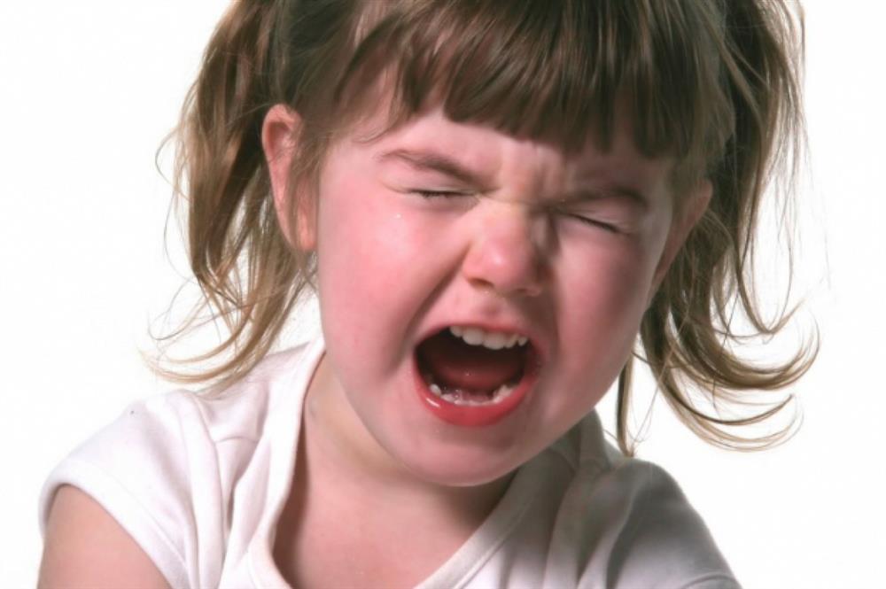 Sự khác biệt lớn giữa trẻ hay khóc và trẻ kìm nén không khóc bao giờ, nghe xong cha mẹ sẽ muốn ngừng ngay việc trách trẻ-1