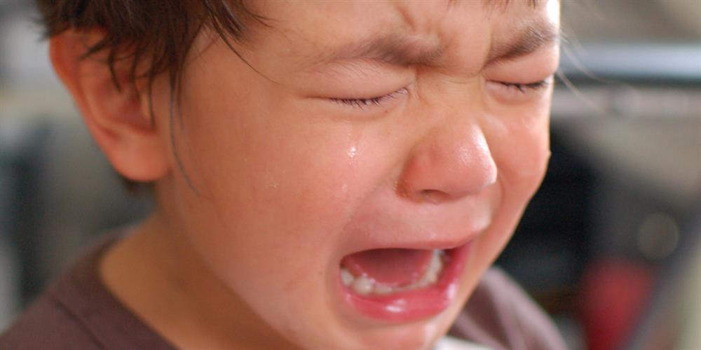 Sự khác biệt lớn giữa trẻ hay khóc và trẻ kìm nén không khóc bao giờ, nghe xong cha mẹ sẽ muốn ngừng ngay việc trách trẻ-3