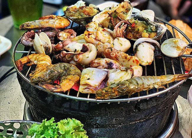 Hãi hùng sự thật 4 loại thực phẩm hạn chế gọi khi ăn buffet lẩu nướng-4