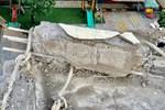 Khối bê tông lớn rơi xuống trường mầm non ở TP.HCM