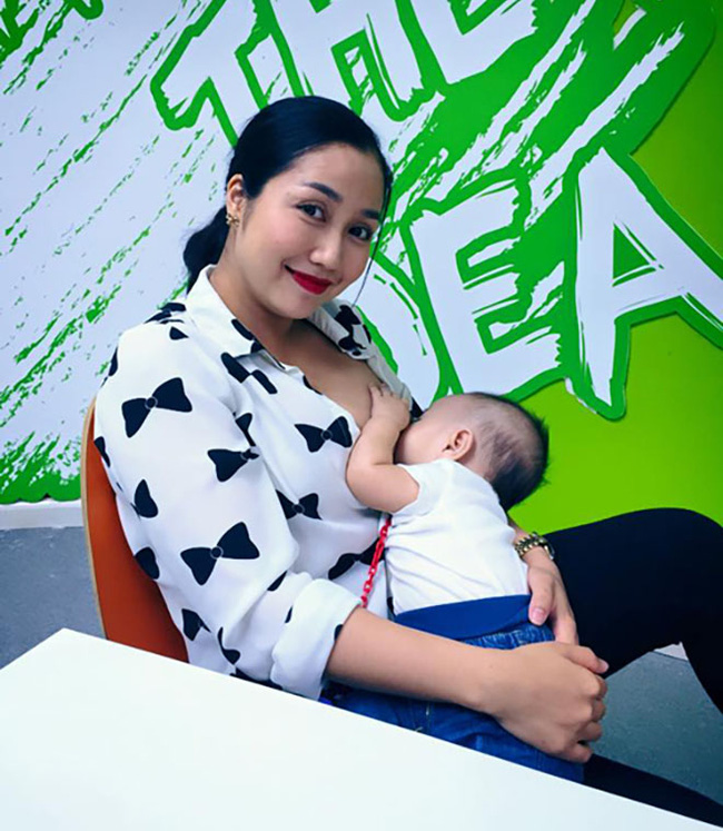 Sao Việt khoe ảnh cho con bú: Hòa Minzy nhìn rõ khổ, Huyền Baby thần thái ngút trời, Lan Phương gây choáng nhẹ vì ngực đẹp-8