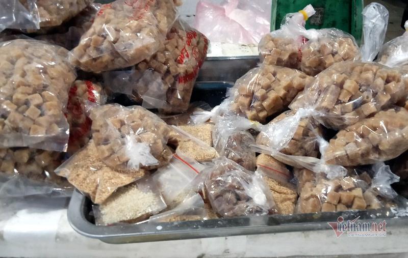 Chị em thi nhau làm bánh trôi bánh chay, sạp chợ ngày bán 2 tạ bột-5