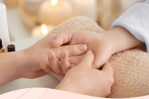 Tê tay tuy là chuyện thường nhưng hãy cẩn thận, nó cũng là dấu hiệu cảnh báo sớm của 5 loại bệnh chết người sau