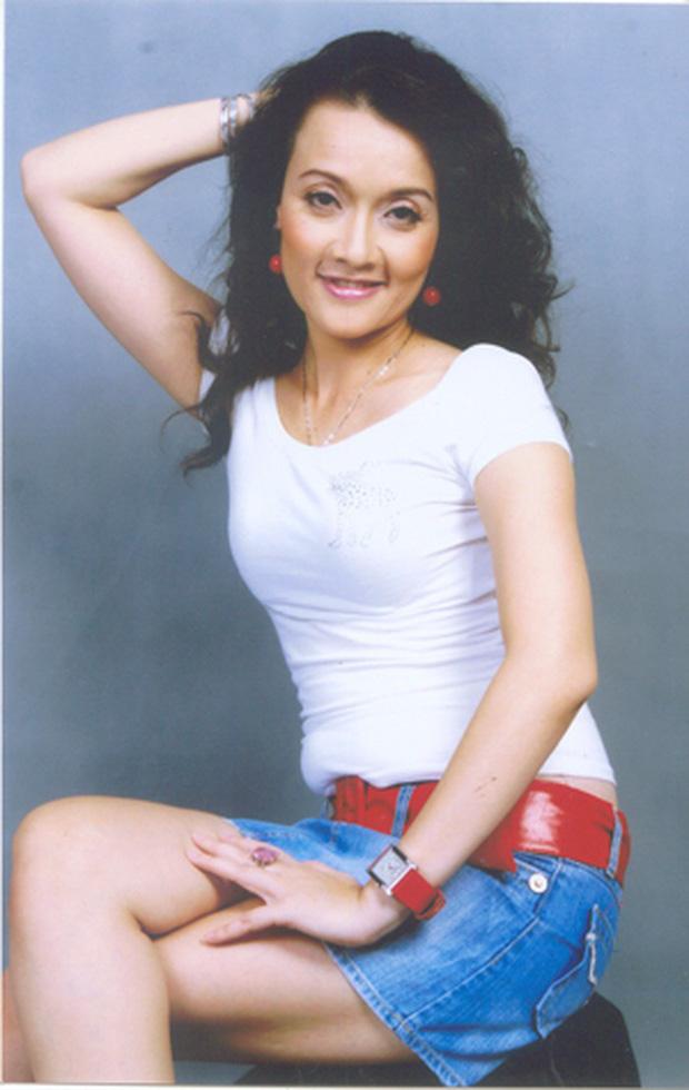 NS Vân Dung từng là đối thủ của Hoa hậu Hà Kiều Anh, lọt top 15 HHVN 1992 cơ đấy!-5