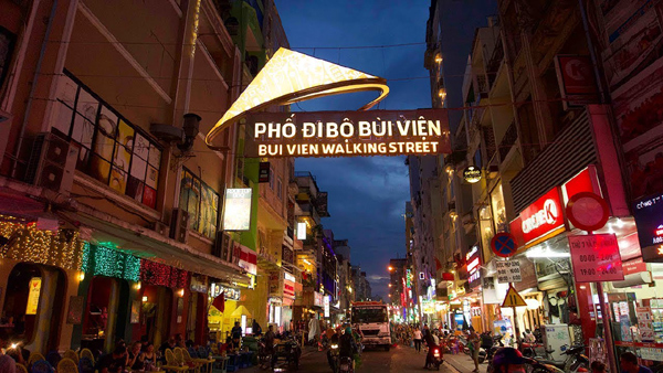 Tiềm năng du lịch bán lẻ ở 'thành phố không ngủ' của Việt Nam-3