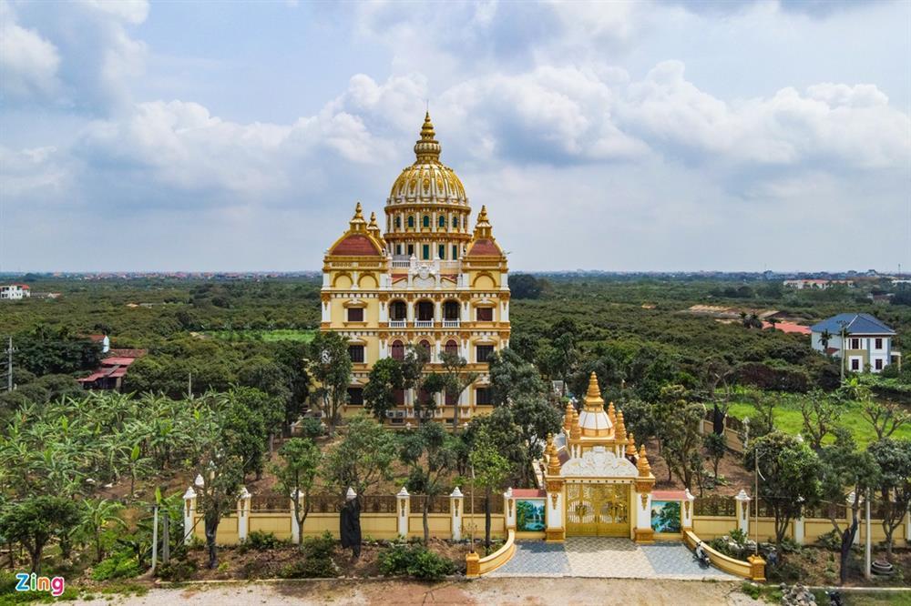 Bên trong tòa lâu đài màu vàng tự thiết kế của ông chủ lò gạch-2