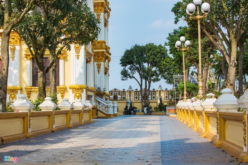 Bên trong tòa lâu đài màu vàng tự thiết kế của ông chủ lò gạch-5