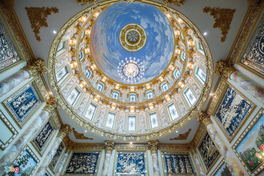 Bên trong tòa lâu đài màu vàng tự thiết kế của ông chủ lò gạch-12
