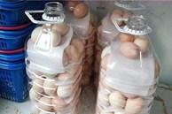 Miệng chai nước lọc nhỏ vậy, tại sao cho trứng vào được để tránh va đập khi di chuyển? Câu trả lời thật đáng kinh ngạc