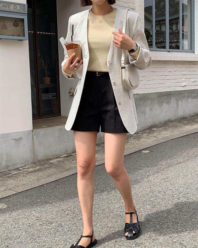 Hội sành điệu toàn mix quần shorts với 5 kiểu áo này để có outfit đẹp hết chỗ chê-17