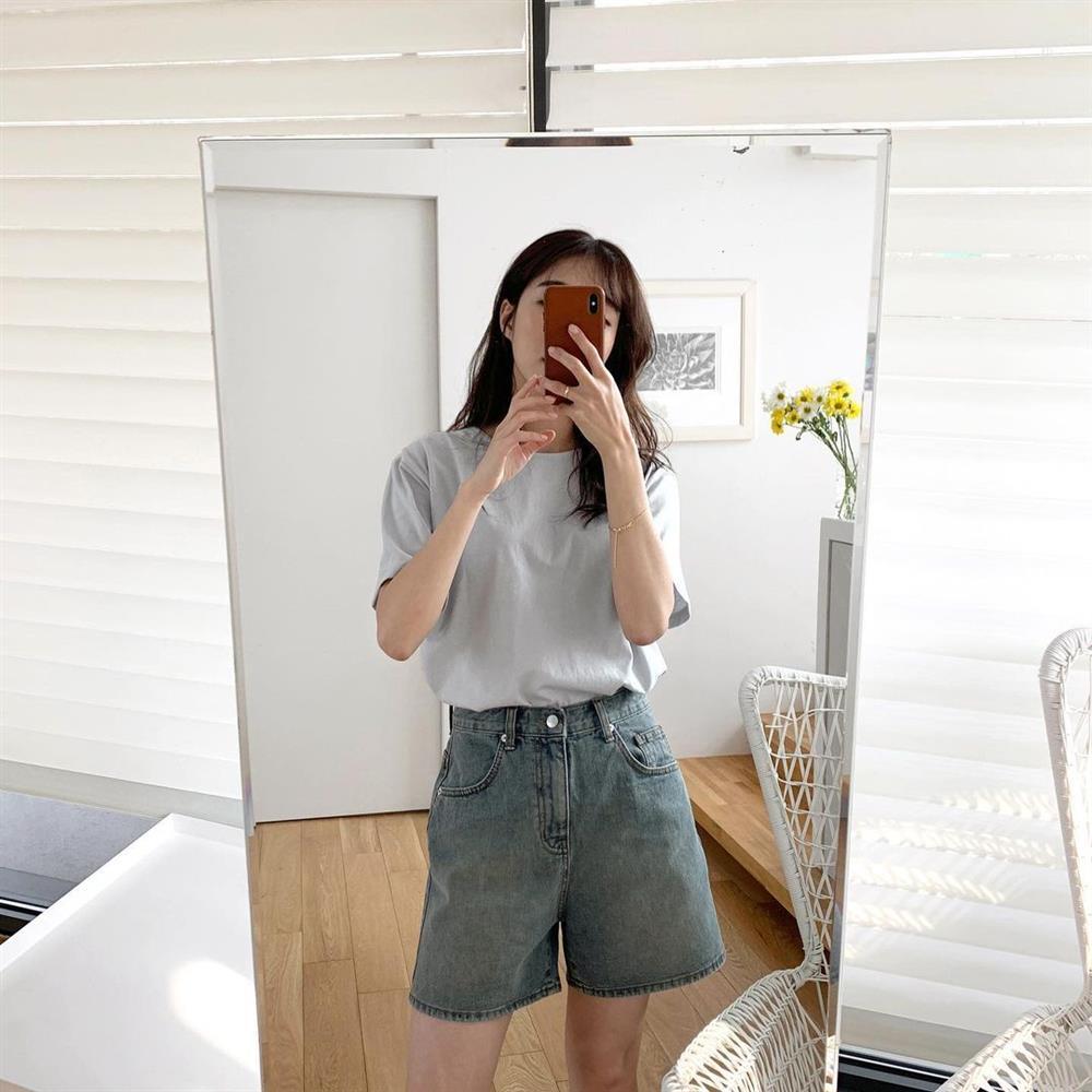 Hội sành điệu toàn mix quần shorts với 5 kiểu áo này để có outfit đẹp hết chỗ chê-7