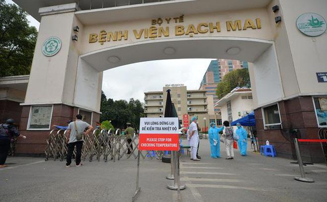 Bác sĩ nghỉ việc ở Bệnh viện Bạch Mai: Không hợp cách quản lý, đi đâu, làm gì phải xin phép...-1