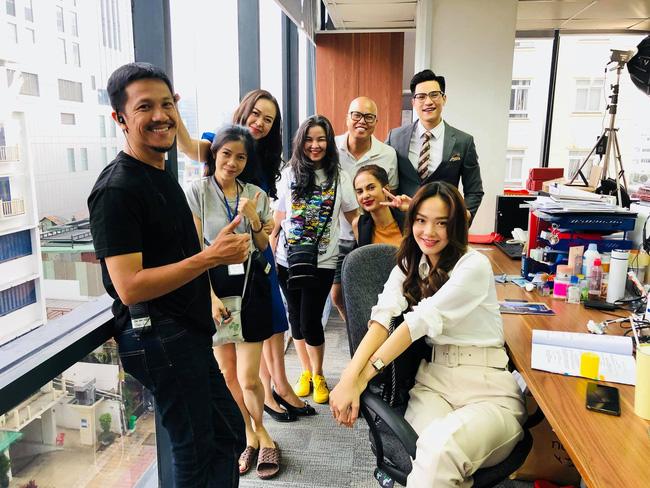 Xem Minh Hằng nhá hàng tạo hình trong phim mới mà phải công nhận: Đây chính là nàng công sở mặc đẹp top đầu màn ảnh Việt-2