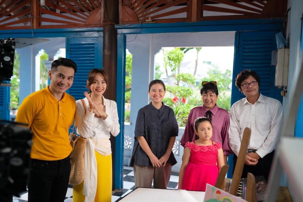 Xem Minh Hằng nhá hàng tạo hình trong phim mới mà phải công nhận: Đây chính là nàng công sở mặc đẹp top đầu màn ảnh Việt-8