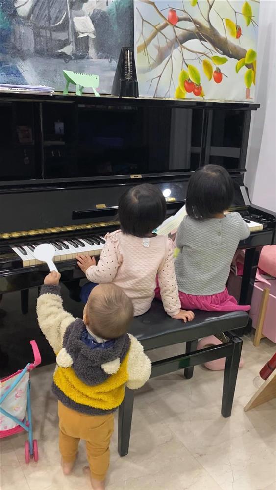 Hot mom Minh Trang khổ tâm kể chuyện 4 nhóc tì nghịch phá trong WC, nhưng nghe câu chốt ai cũng cười ngặt nghẽo-5