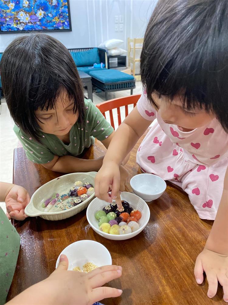 Hot mom Minh Trang khổ tâm kể chuyện 4 nhóc tì nghịch phá trong WC, nhưng nghe câu chốt ai cũng cười ngặt nghẽo-7