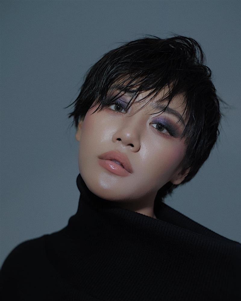 Văn Mai Hương hé lộ tips skincare cho da ngăm bóng khỏe-3