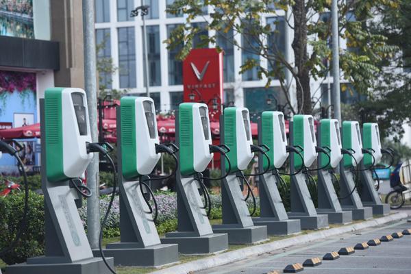 Cách VinFast đưa ô tô điện đến gần người dùng Việt-4