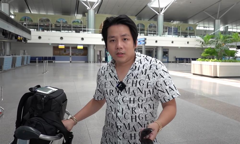 Khoa Pug chính thức bay khỏi Việt Nam, rơm rớm nước mắt gửi lời tri ân tới 1 người đặc biệt-2