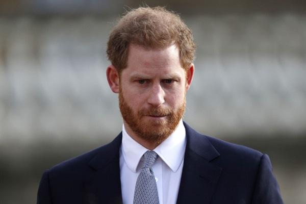 Harry gây tranh cãi về trang phục trong tang lễ, Nữ hoàng đưa ra quyết định chưa từng có để vẹn cả đôi đường-2