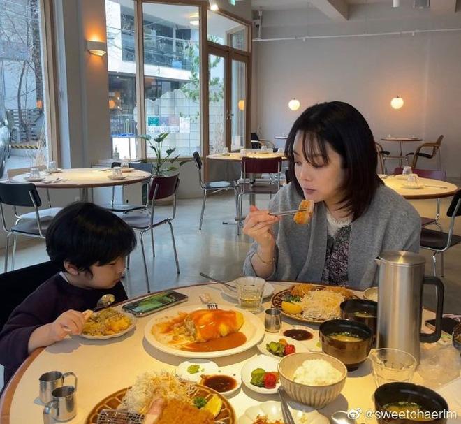 Nữ thần Chae Rim ở tuổi 42: Bỏ chồng về Hàn, một mình nuôi con, giã từ showbiz để kinh doanh-18