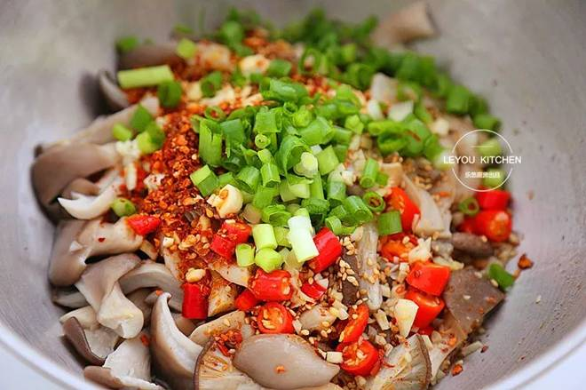 Nấm trộn mới là món ăn siêu gây nghiện, ngon không thua kém gì thịt lại không sợ tăng cân-5