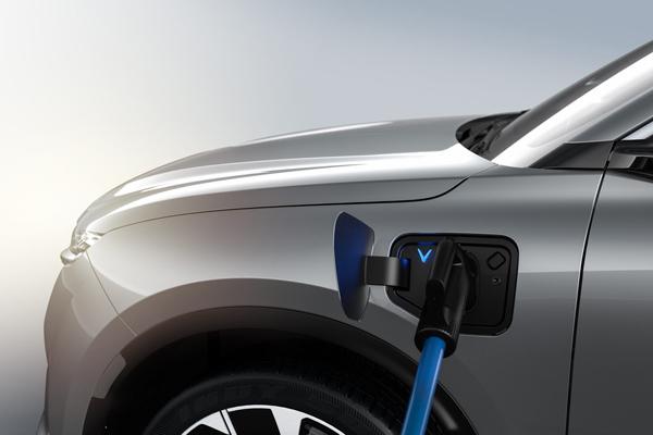 Chuyên gia giải thích lí do ô tô điện thân thiện với môi trường hơn xe xăng-3