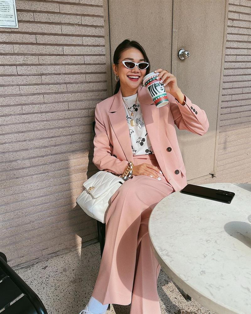 Thanh Hằng diện cả loạt đồ bình dân giá rẻ, từ váy hoa điệu đà đến suit công sở đều max xinh-5