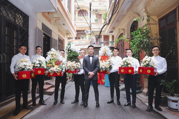 Ảnh xịn của Xuân Trường và Nhuệ Giang trong lễ ăn hỏi: Cô dâu chú rể hôn nhau đầy tình cảm-4