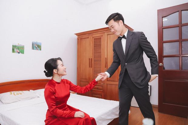 Ảnh xịn của Xuân Trường và Nhuệ Giang trong lễ ăn hỏi: Cô dâu chú rể hôn nhau đầy tình cảm-5