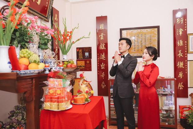 Ảnh xịn của Xuân Trường và Nhuệ Giang trong lễ ăn hỏi: Cô dâu chú rể hôn nhau đầy tình cảm-6