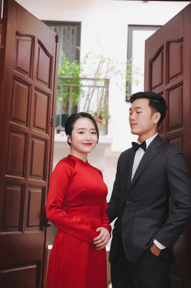Ảnh xịn của Xuân Trường và Nhuệ Giang trong lễ ăn hỏi: Cô dâu chú rể hôn nhau đầy tình cảm-10