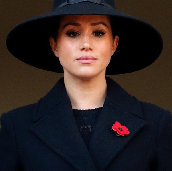 Hóa ra đây mới là lý do thực sự khiến Meghan nhất quyết không về chịu tang Hoàng tế Philip, đến Nữ hoàng Anh cũng phải đồng ý-2