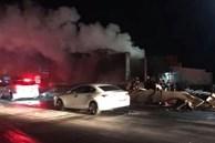 Khoảnh khắc xe container đang chạy bất ngờ bốc cháy ngùn ngụt trên quốc lộ 1A