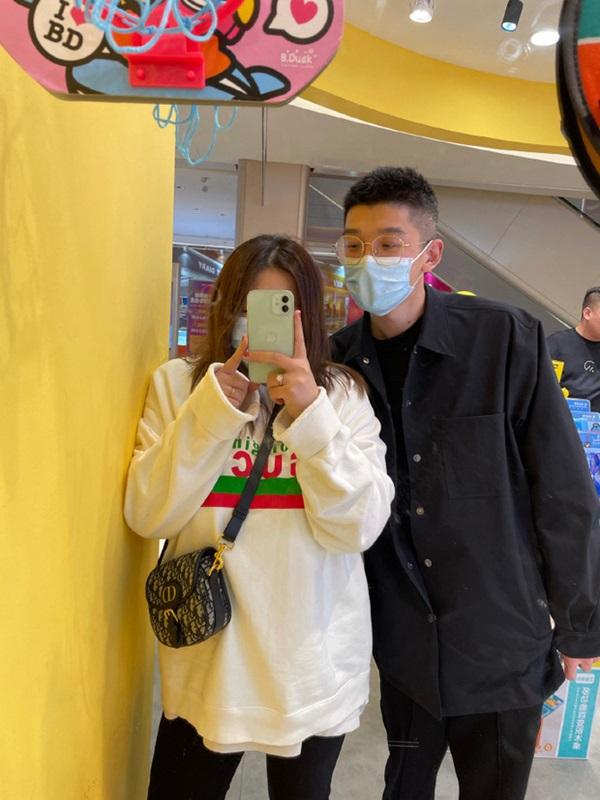 Cặp đôi đũa lệch nổi tiếng nhất Trung Quốc gây bão khắp nơi 2 năm trước giờ ra sao? Ngoại hình hiện tại của người vợ gây chú ý-9