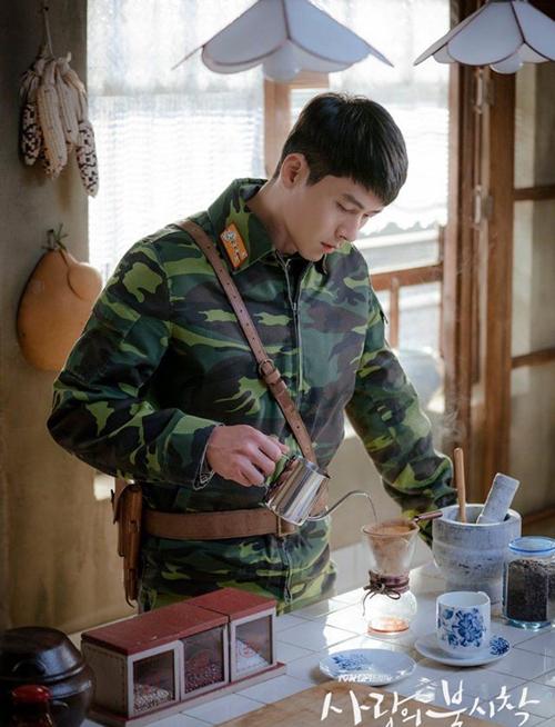 Bật mí cách pha cà phê ngon, chinh phục chị em sành uốngnhư đại úy Ri Jung Hyuk trong Hạ cánh nơi anh-6