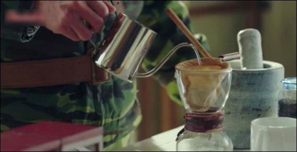 Bật mí cách pha cà phê ngon, chinh phục chị em sành uốngnhư đại úy Ri Jung Hyuk trong Hạ cánh nơi anh-3