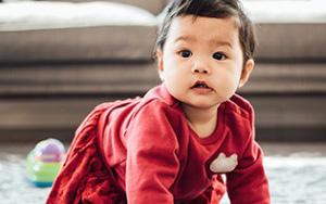 Lên mạng than trời vì con 8 tháng chưa biết đứng, bà mẹ bị cư dân mạng cười thối mũi với những lời động viên siêu lầy lội-1