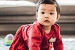 Lên mạng than trời vì con 8 tháng chưa biết đứng, bà mẹ bị cư dân mạng 'cười thối mũi' với những lời động viên siêu lầy lội