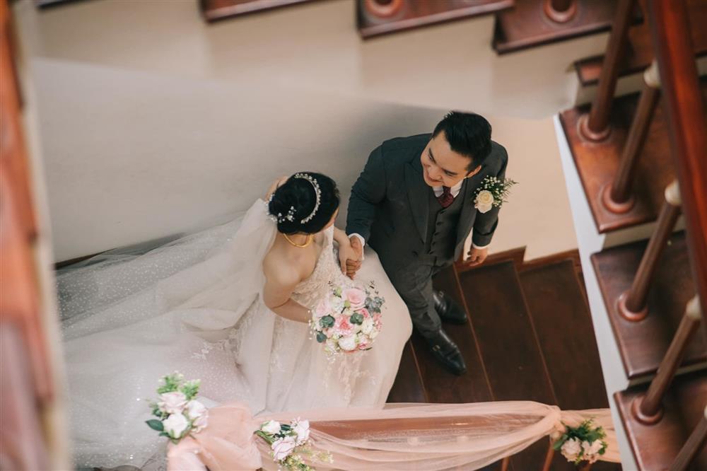 MC Hạnh Phúc VTV lần đầu đăng ảnh cưới sau hơn một năm kết hôn-10