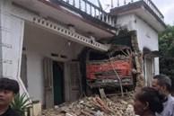 Tai nạn hy hữu: Ô tô tải đâm xuyên qua vườn, lao thẳng vào nhà dân