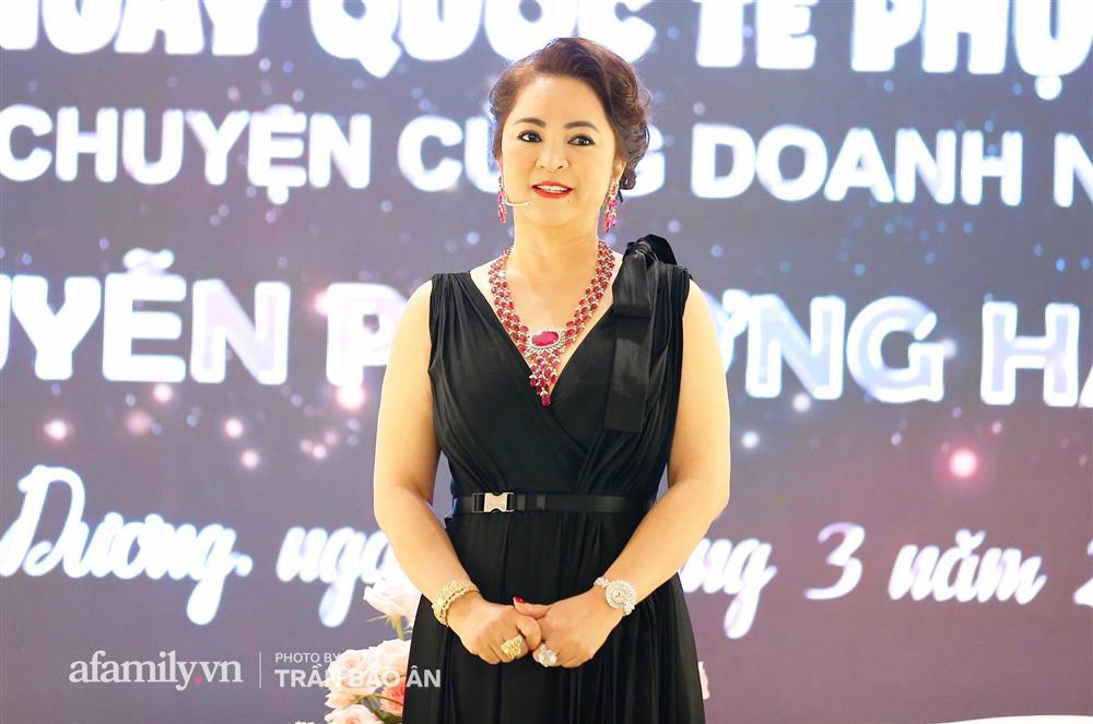 Bà Phương Hằng - vợ ông Dũng lò vôi chỉ đích danh nghệ sĩ Hoài Linh, thẳng thắn nhắn nhủ Trang Khàn-4