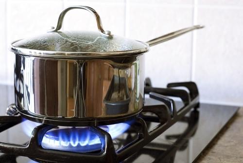 Sử dụng bếp gas như thế nào để tiết kiệm và an toàn? Thêm thao tác này, mỗi năm đỡ được kha khá khoản tiền đổi gas-3