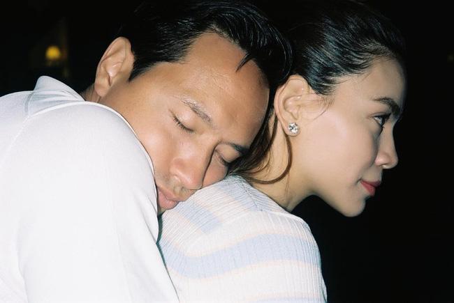 """Hồ Ngọc Hà và Kim Lý lại khiến dân tình ghen tỵ"""" vì hành động không thể ngọt ngào hơn-1"""