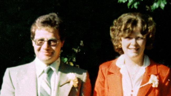 Gia đình sống chung với xác chết suốt 20 năm mà không biết, khi sự thật phơi bày ai cũng sốc với gã đàn ông mang trái tim quỷ-2