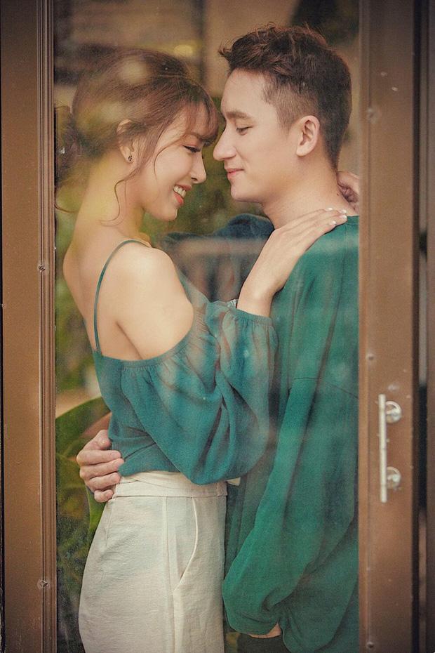 5 năm yêu của Phan Mạnh Quỳnh và vợ hot girl: Từng bịhoài nghi đến màn cầu hôn gây sốt, chàng cưng nàng số 1 thấy mà ghen!-2