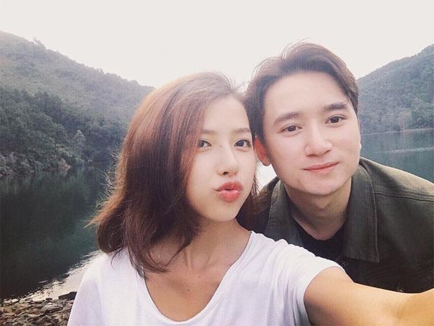 5 năm yêu của Phan Mạnh Quỳnh và vợ hot girl: Từng bịhoài nghi đến màn cầu hôn gây sốt, chàng cưng nàng số 1 thấy mà ghen!-13