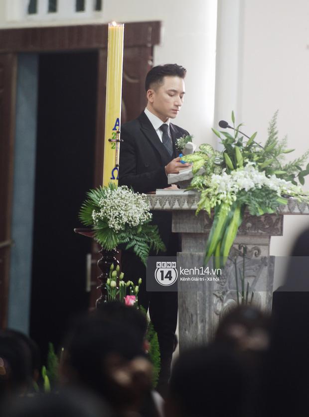 5 năm yêu của Phan Mạnh Quỳnh và vợ hot girl: Từng bịhoài nghi đến màn cầu hôn gây sốt, chàng cưng nàng số 1 thấy mà ghen!-16