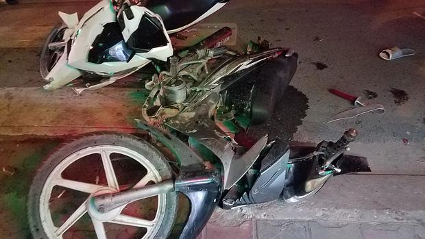 TP.HCM: Đua tốc độ rồi tông chết người đàn ông đang chở bé trai, nhóm thanh niên lên xe chạy trốn-4